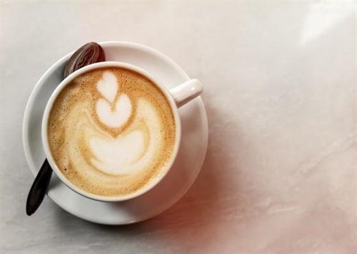 Cà phê không chỉ giúp tỉnh táo hơn mà còn có vô số tác dụng với làn da