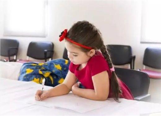 Nghiên cứu mới: Cho trẻ đi lớp sớm có hại cho sức khỏe tâm thần của bé, 3 tuổi mới là độ tuổi lý tưởng để đến trường