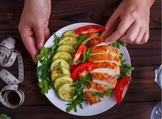 Protein cần thiết để xây dựng cơ bắp nhưng vì sao chế độ ăn giàu protein lại khiến bạn tăng cân?