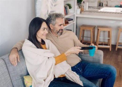 Những người ở độ tuổi 40-60 xem TV quá nhiều sẽ suy giảm chất xám và tăng nguy cơ mắc các vấn đề về não bộ