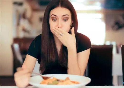 Ăn tối muộn có thể dẫn đến tăng cân không?