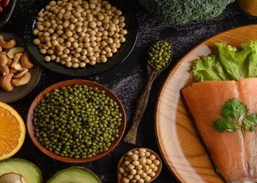 Tăng cường bổ sung protein để ngăn ngừa xương yếu và gan nhiễm mỡ