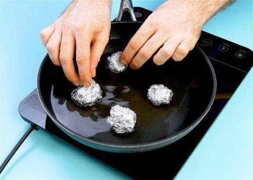 6 thủ thuật đáng kinh ngạc thay đổi cách sử dụng giấy bạc trong nhà bếp