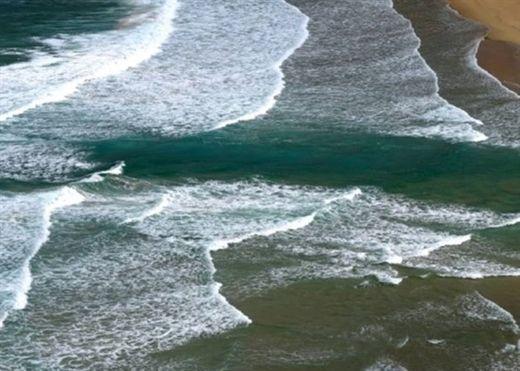 Mùa hè là mùa du lịch biển, nhưng các chuyên gia khuyên rằng nếu thấy dấu hiệu này thì tuyệt đối đừng xuống nước