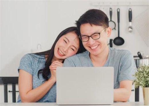 Những cách thông minh mà các cặp đôi có thể tiết kiệm tiền