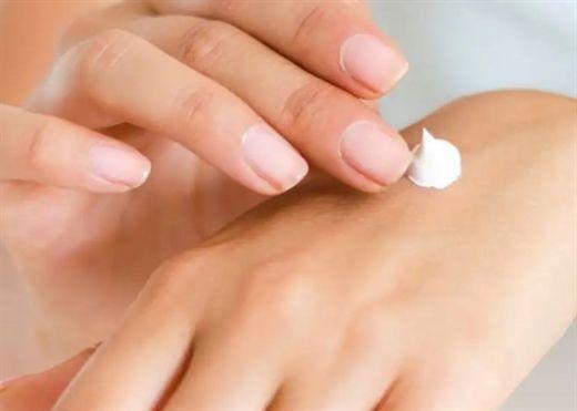 Lý do kem dưỡng da tay được xem là thành phần quan trọng trong quy trình chăm sóc da