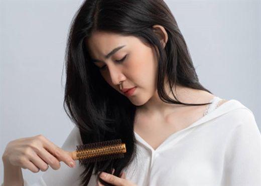 Căng thẳng dễ dẫn đến bạc tóc nhưng liệu có thể tự phục hồi trở lại màu đen không?