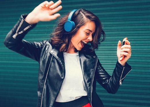 Nghe nhạc quá to dễ bị mất thính lực và sa sút trí tuệ, 50% người dân vẫn nghe thường xuyên mà không biết mối nguy này