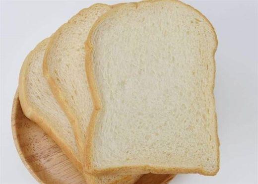 Bánh mì trắng ăn ngon miệng và dễ mua nhưng nó có thể gây tiểu đường, béo phì và bệnh tim