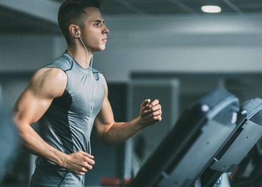 Tập luyện gắng sức trong vòng 90 phút trước khi đi ngủ sẽ dẫn đến mất ngủ