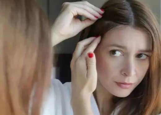 Những thói quen phổ biến khiến tóc bạc sớm mà mọi người nên tránh