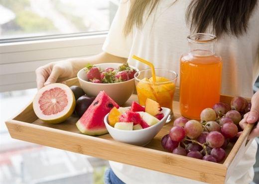 Người mắc COVID-19 nên ăn gì và tránh gì để nhanh hồi phục