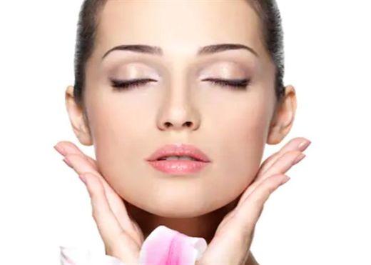 Bí quyết giúp bạn luôn xinh đẹp rạng rỡ hơn mà không cần đến các sản phẩm làm đẹp