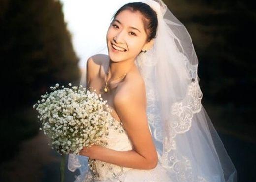 Hoa hậu Trung Quốc 27 tuổi mắc ung thư dạ dày giai đoạn cuối, đâu là dấu hiệu nhận biết căn bệnh nguy hiểm này?
