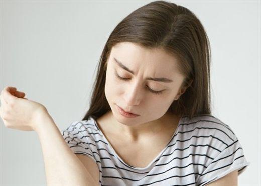 Nếu nhận thấy tình trạng này trên da, hãy đi kiểm tra ngay lá gan của bạn