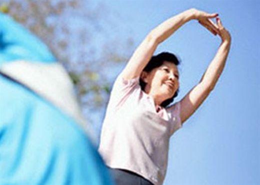 Giảm chiều cao ở phụ nữ cho thấy nguy cơ tử vong và đột quỵ cao hơn