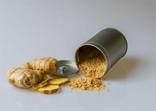 Gừng: Loại thảo mộc với nhiều đặc tính tuyệt vời; được sử dụng trong thực phẩm, thuốc, trà, có tác dụng giảm cân,...