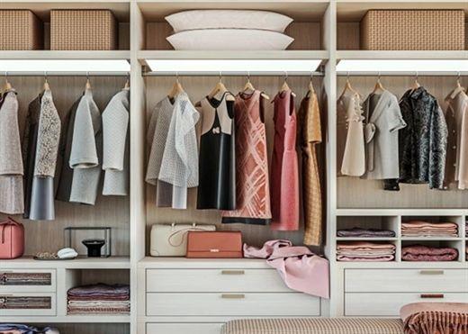 Vì sao không nên giữ lại quần áo cũ chờ ngày cơ thể gầy đi để mặc lại?
