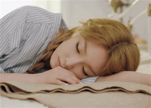 Nguy cơ đột quỵ cao hơn 85% nếu bạn ngủ như thế này