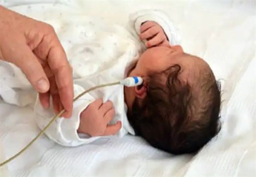 Tại sao khám sàng lọc thính lực là bắt buộc đối với trẻ sơ sinh?