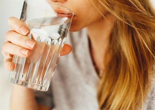 Nghiên cứu từ Đại học Harvard chỉ ra lượng nước chính xác chúng ta cần uống hàng ngày