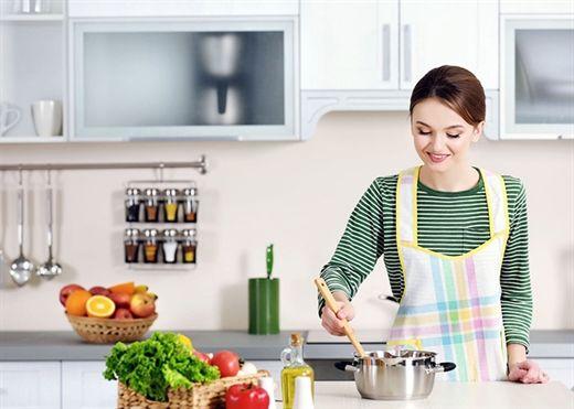 Giữ nhà bếp an toàn và tránh những dụng cụ nấu nướng độc hại này