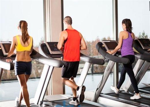 Bạn có thực sự cần thiết lập chế độ tập luyện khác sau tuổi 50?