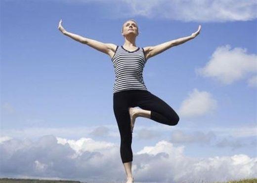 Đứng bằng một chân - Bài tập rèn luyện sức khỏe và giúp kéo dài tuổi thọ đáng kể