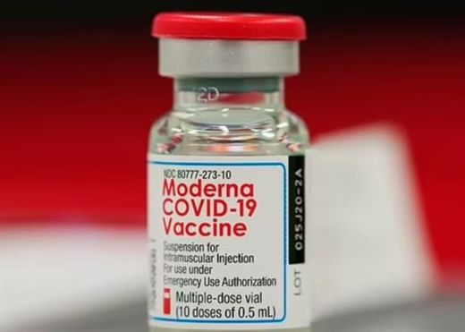 Vì sao FDA đang trì hoãn quyết định cấp phép vaccine COVID-19 của Moderna cho thanh thiếu niên từ 12 đến 17 tuổi?