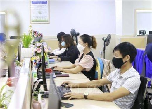 Những người làm việc trong môi trường văn phòng cần lưu ý điều gì để tránh lây nhiễm COVID-19?