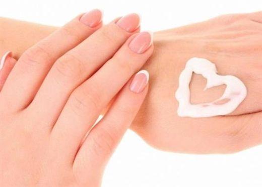 Top 12 kem dưỡng da tay giúp bạn tránh khô nứt nẻ