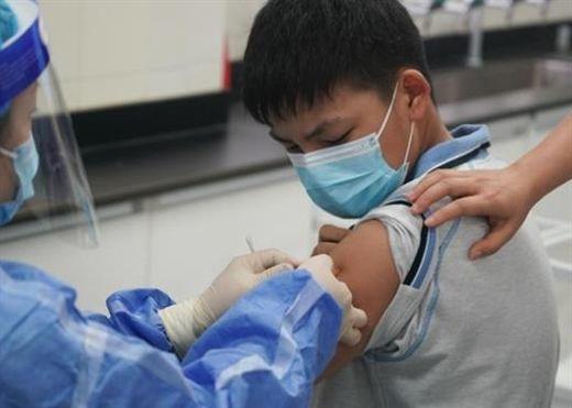 Trung Quốc bắt đầu tiêm chủng cho trẻ em từ 3 đến 11 tuổi khi các ca nhiễm COVID-19 lan rộng