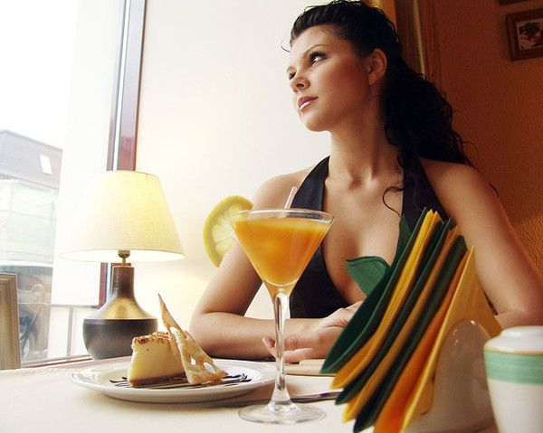 Rượu cũng làm tăng nguy cơ béo phì