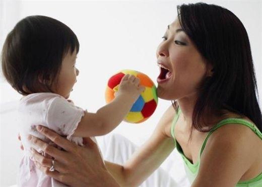 Có thể tự chữa khỏi bệnh tự kỷ cho con trước 2 tuổi