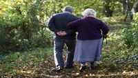 Đi bộ có thể giúp đẩy lùi bệnh Parkinson